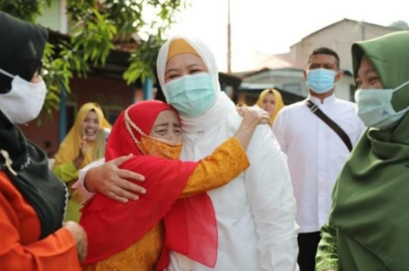 Marlin Agustina Rudi Dengarkan Keluh Kesah Warga saat Lakukan Silahturahmi ke Kampung Melayu Sungai Panas