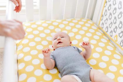 Amankah Box Bayi ? Resiko Si Kecil Tidur di Box Bayi