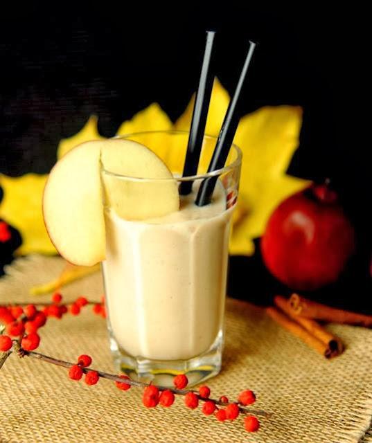 http://zielonekoktajle.blogspot.com/2013/10/jabko-imbir-jogurt-cynamon.html