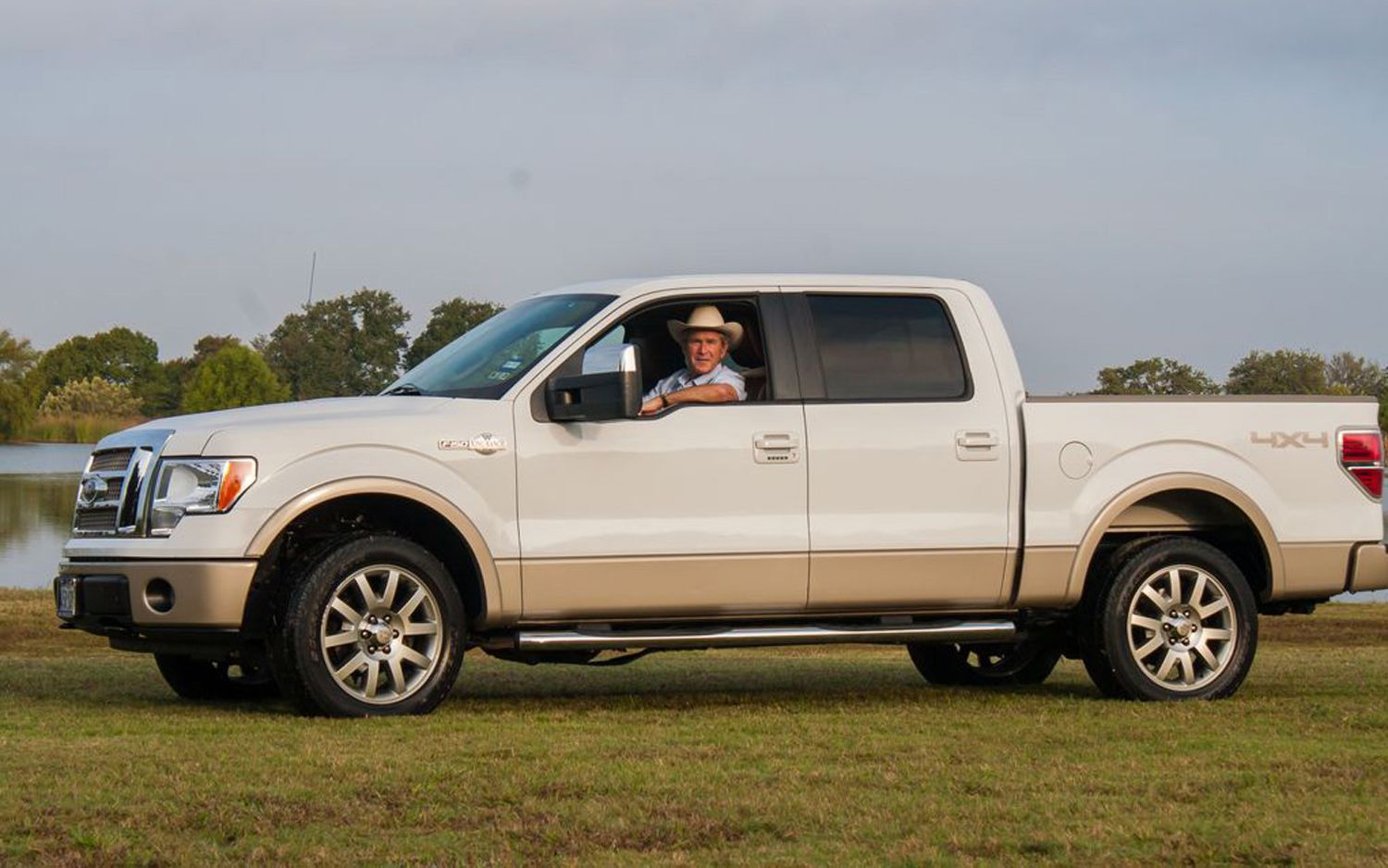 just a car guy pres bush 43 sold his 2009 king ranch. Black Bedroom Furniture Sets. Home Design Ideas