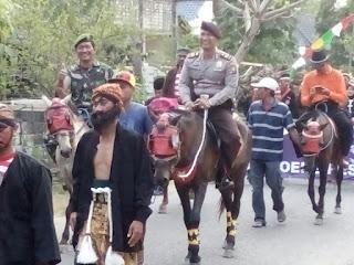 Kapolsek dan Danramil Lakukan Pengamanan Dengan Berkuda
