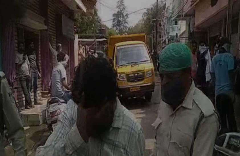 Jhabua News- अवैध रूप से मांस विक्रय कर रहे दो व्यापारियों पर कार्रवाई