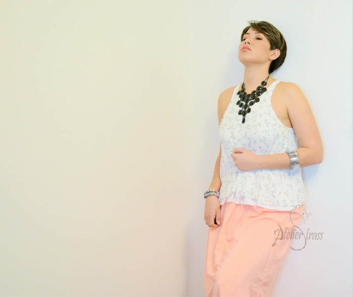 crop top con falda salmon