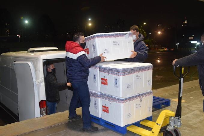 Chegou no Paraná mais 182 mil doses de vacinas contra a Covid-19