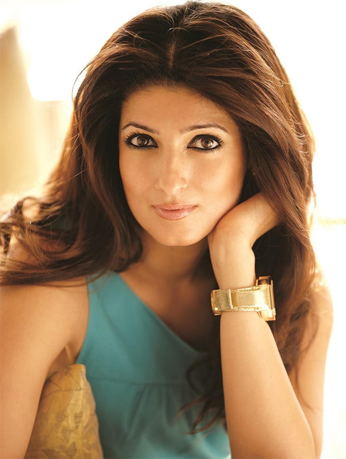 Kareena Kapoor New Hd Wallpaper Beautiful Twinkle Khanna Hd Wallpaper All 4u Stars Wallpaper