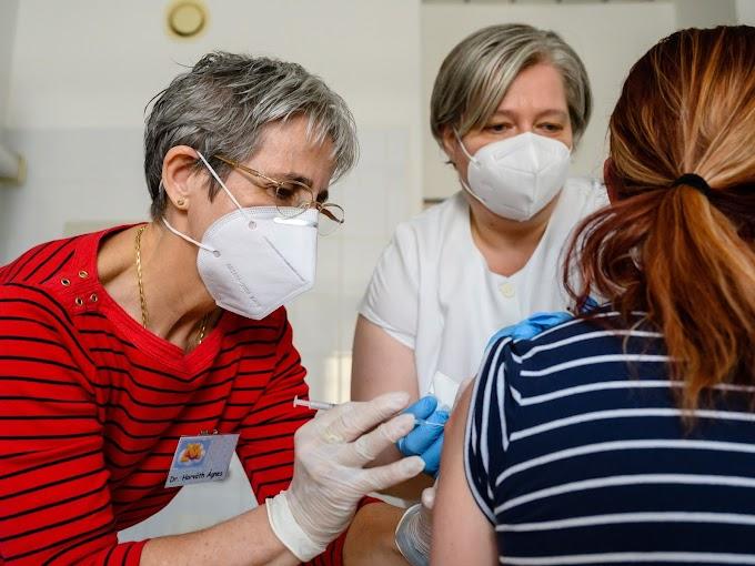 Oltás a veszprémi Csolnoky Ferenc Kórházban (fotók)