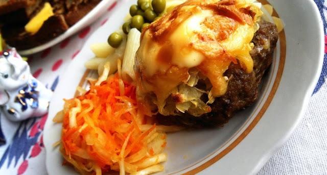 Мясные стожки из фарша с картофелем, яйцом и сыром рецепт-картинка