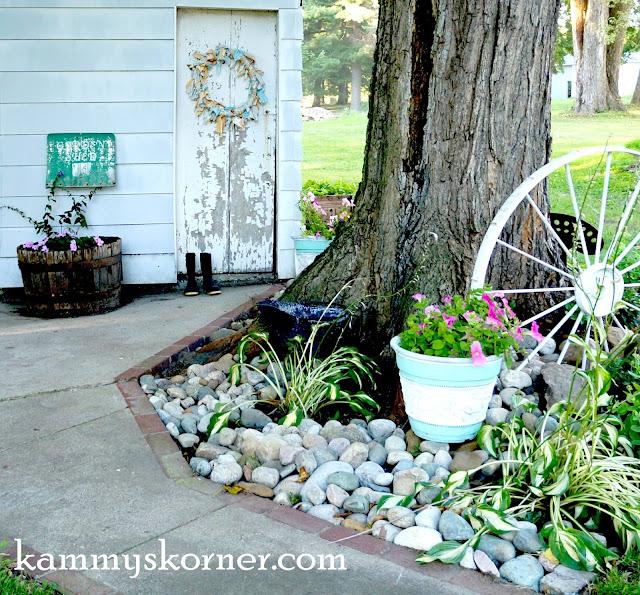 Kammy's Korner: Landscaping Around My Garden Shed