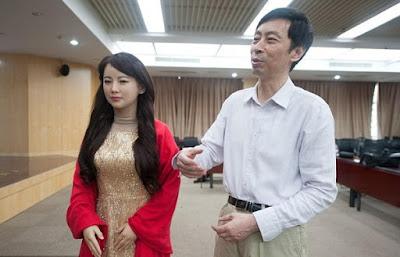 robot wanita cantik buatan china