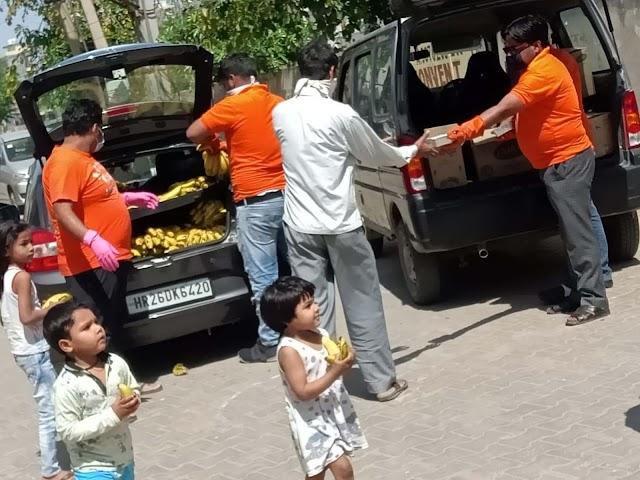 श्रीश्याम बजरंग परिवार ने बांटा खीर-चूरमा का प्रसाद