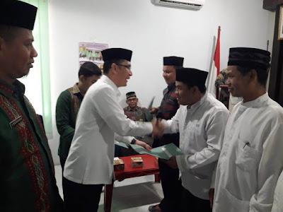Kakankemenag Tanjungbalai Serahkan 48 SK Kerja PAI Non PNS Periode 2020-2024