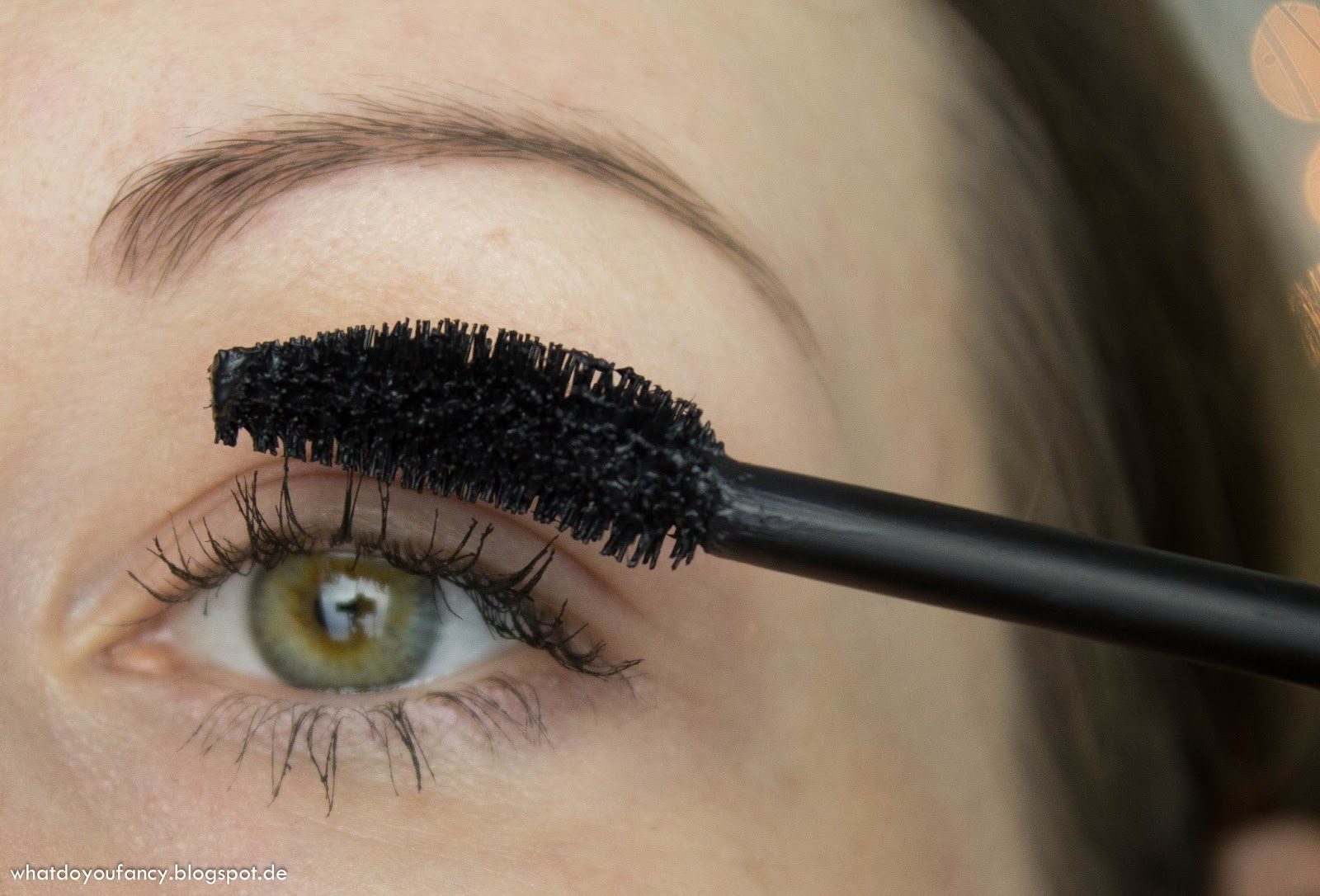 """Essence """"New In Town""""Get BIG! Lashes Volume Curl Mascara"""