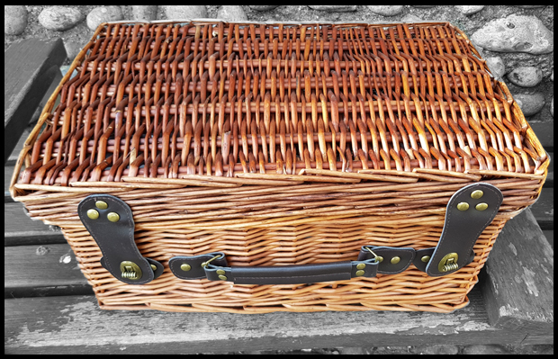 Lovely quality wicker hamper basket from Prestige Hampers