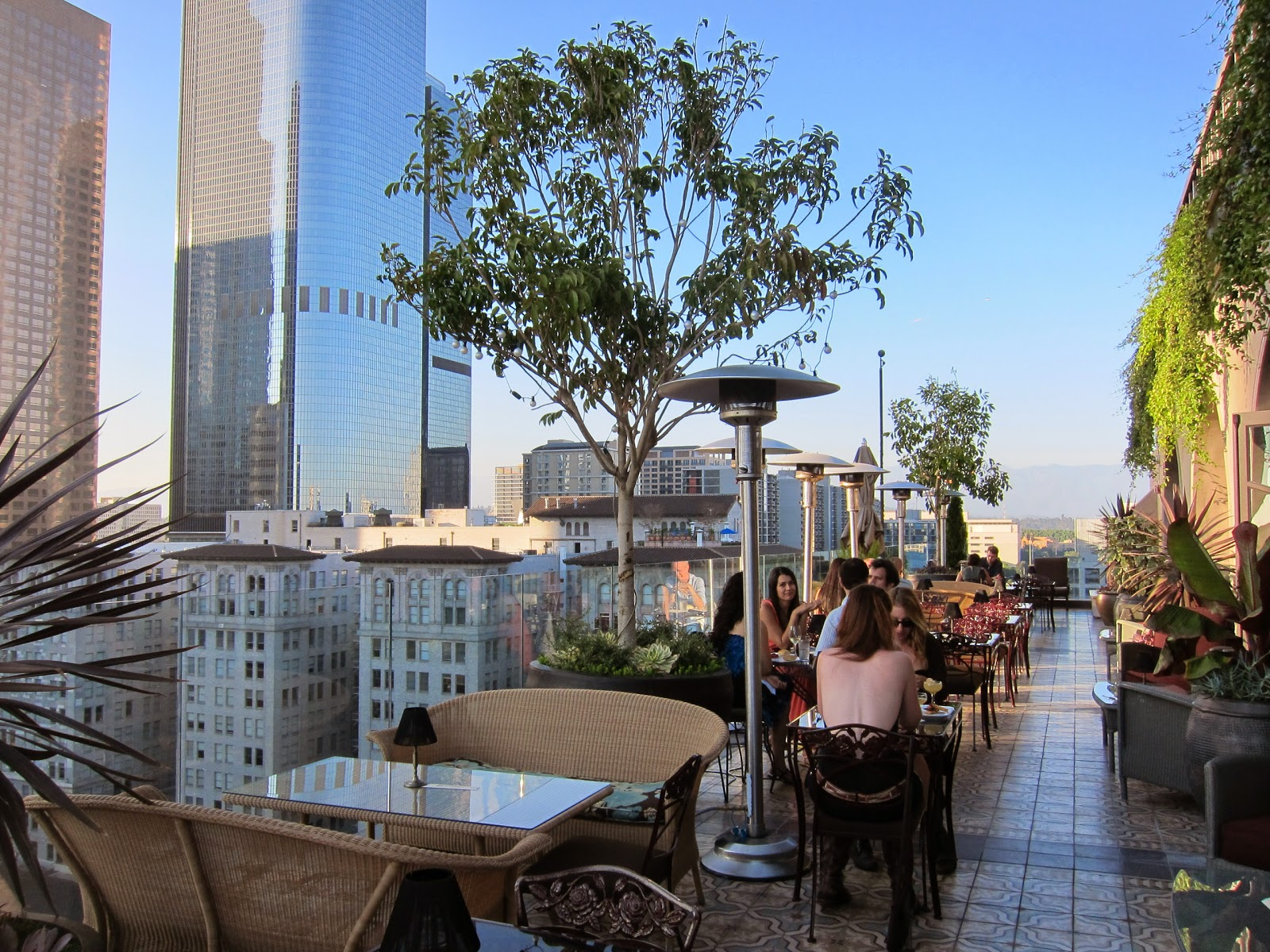 Top Rooftop Restaurants With Good Food