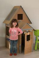 casita para niños de carton