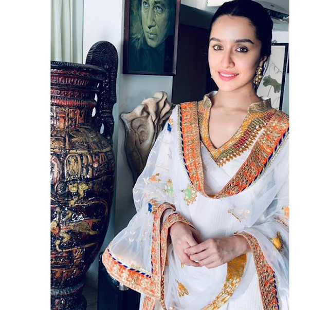 Shraddha Kapoor - Biography, Wiki, Age, Height, Weight, Family, Education, Boyfriend, Affairs, Husband, Movies, Photos, Social Media More