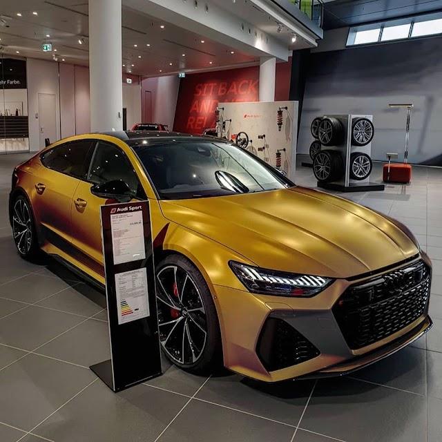 Audi C8 RS7