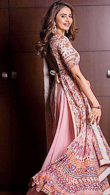 Charming Bollywood Actress Rakul Preet Singh Beautiful Tie-Knot Long Kurta Photos HD