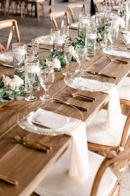 wedding reception napkins and table set up