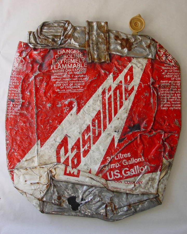 01-Gasoline-Tom-Pfannerstill-Hyper-Realistic-Paintings-Sculptures-From-the-Street-www-designstack-co