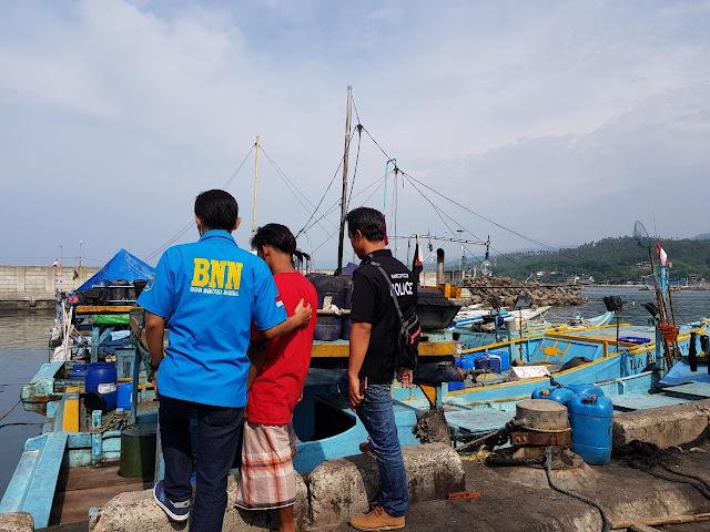 Deteksi Dini Pengawasan Narkoba, BNNK Sukabumi Menyisir Nelayan Di Palabuhanratu