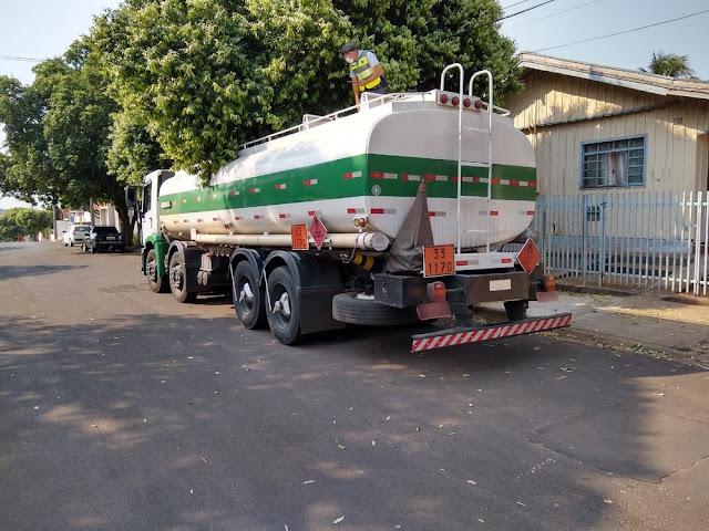Motorista é abordado sob suspeita de furtar combustível de caminhão-tanque em Adamantina