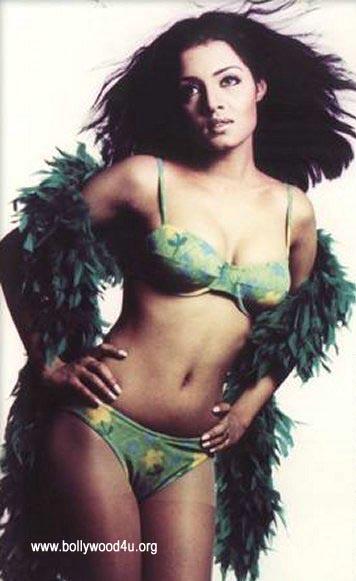 Bollywood Hot Actress In Bikini Bollywood Actress in Bikini Pics 38