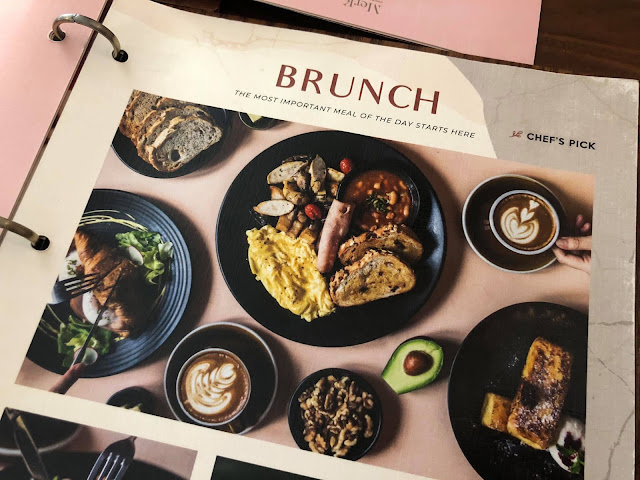Brunch Bertiga Di The Replacement Lodge & Kitchen Jalan Dhoby