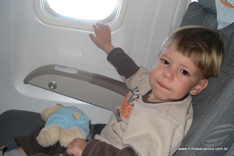 documentos para viajar de avião com criança