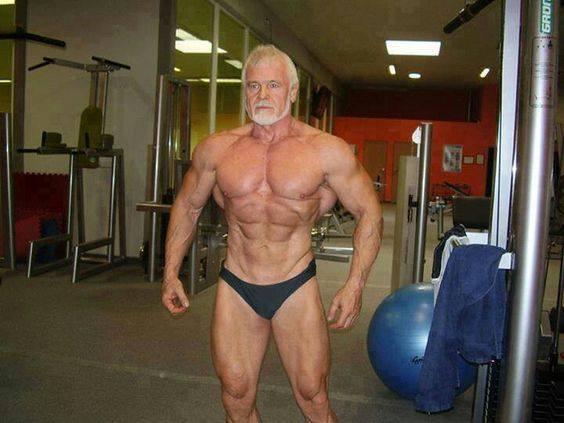 كمال الاجسام بناء العضلات في سن الاربعين الخمسين الستين