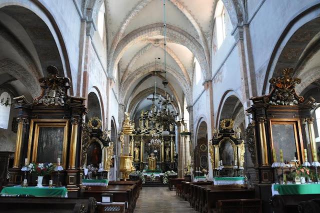 Późnoromański kościoł pocysterski w Koprzywnicy - nawa główna