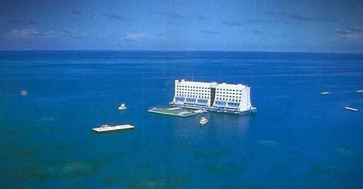 Hem gemi hem de otel olarak hizmet veren bu proje kısa sürede yoğun ilgi gördü.
