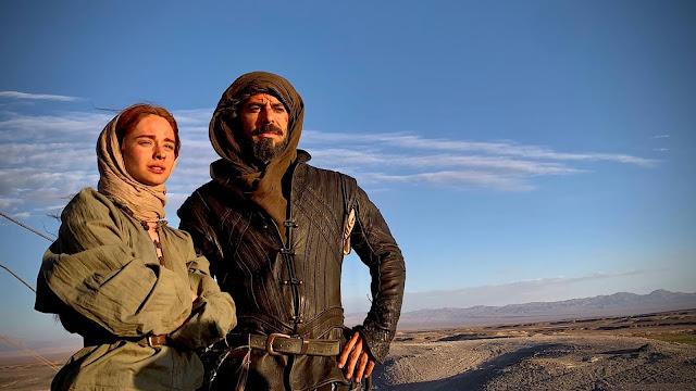 Eduardo Noriega y Elena Rivera en Inés Del Alma Mía