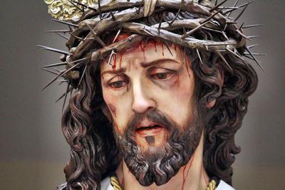 Chiclana ya conoce cartelista, Imagen del Vía-Crucis y cofrade de honor del 2021