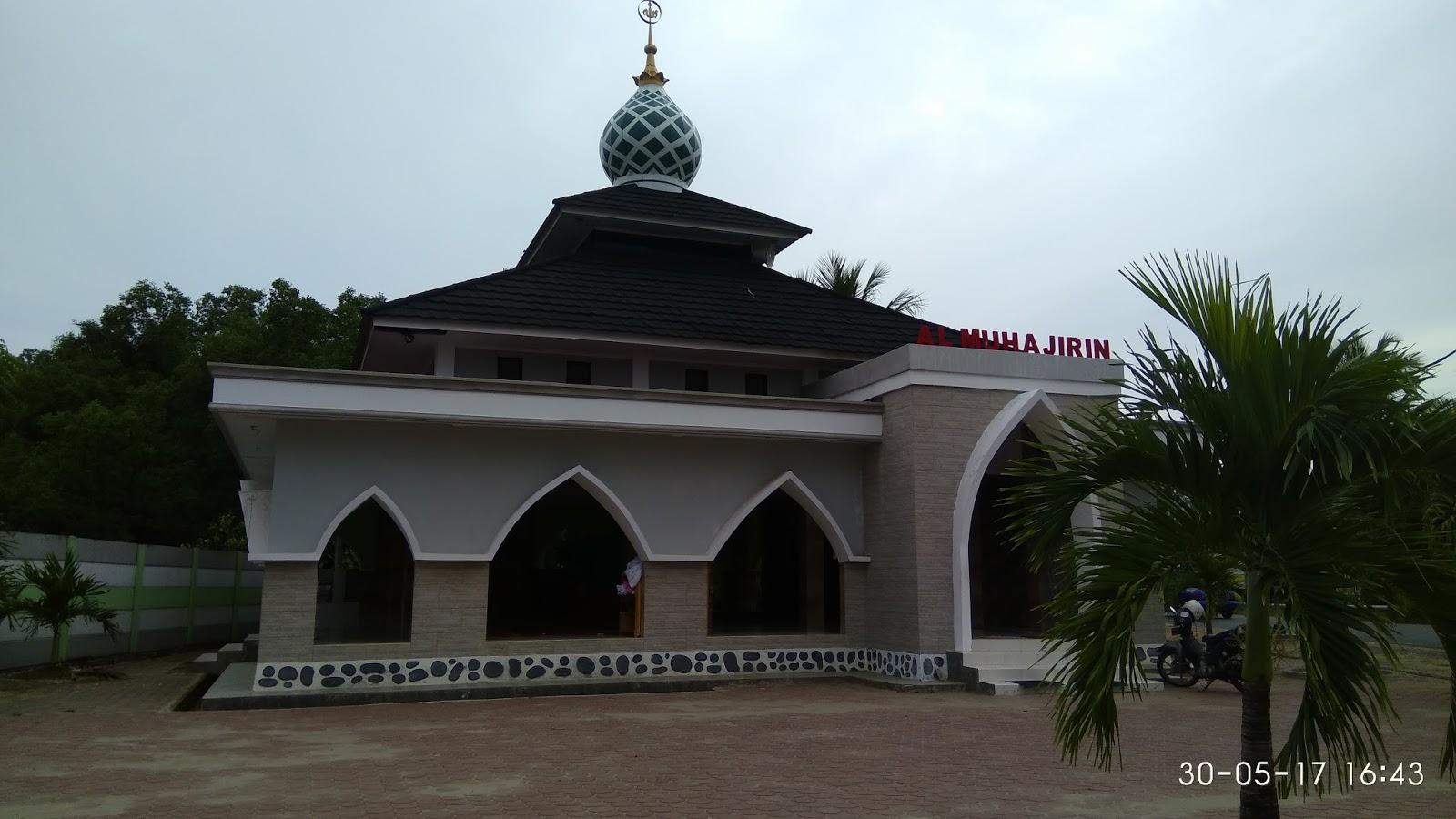 Masjid Di Dekat Lokasi Wisata Kota Bengkulu Zefy Arlinda Sandal Wudhu Mushola Kantor Hotel Al Muhajirin