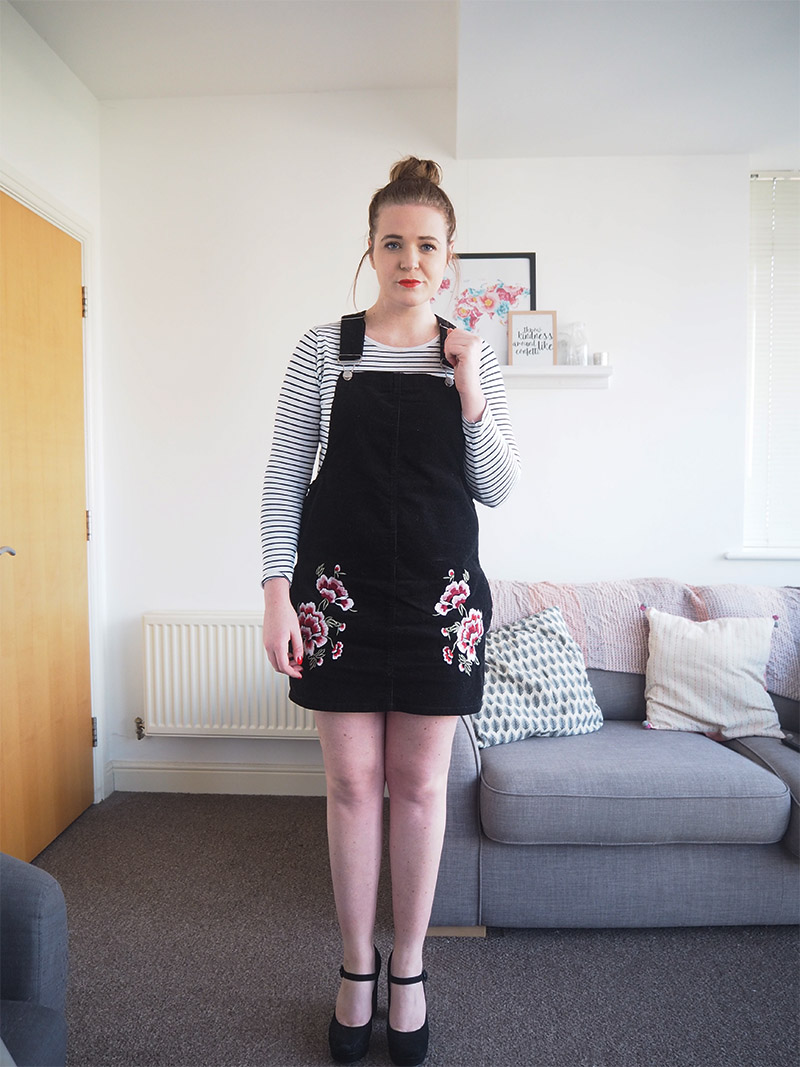 Primark Black Cord Pinafore Dress Outffit