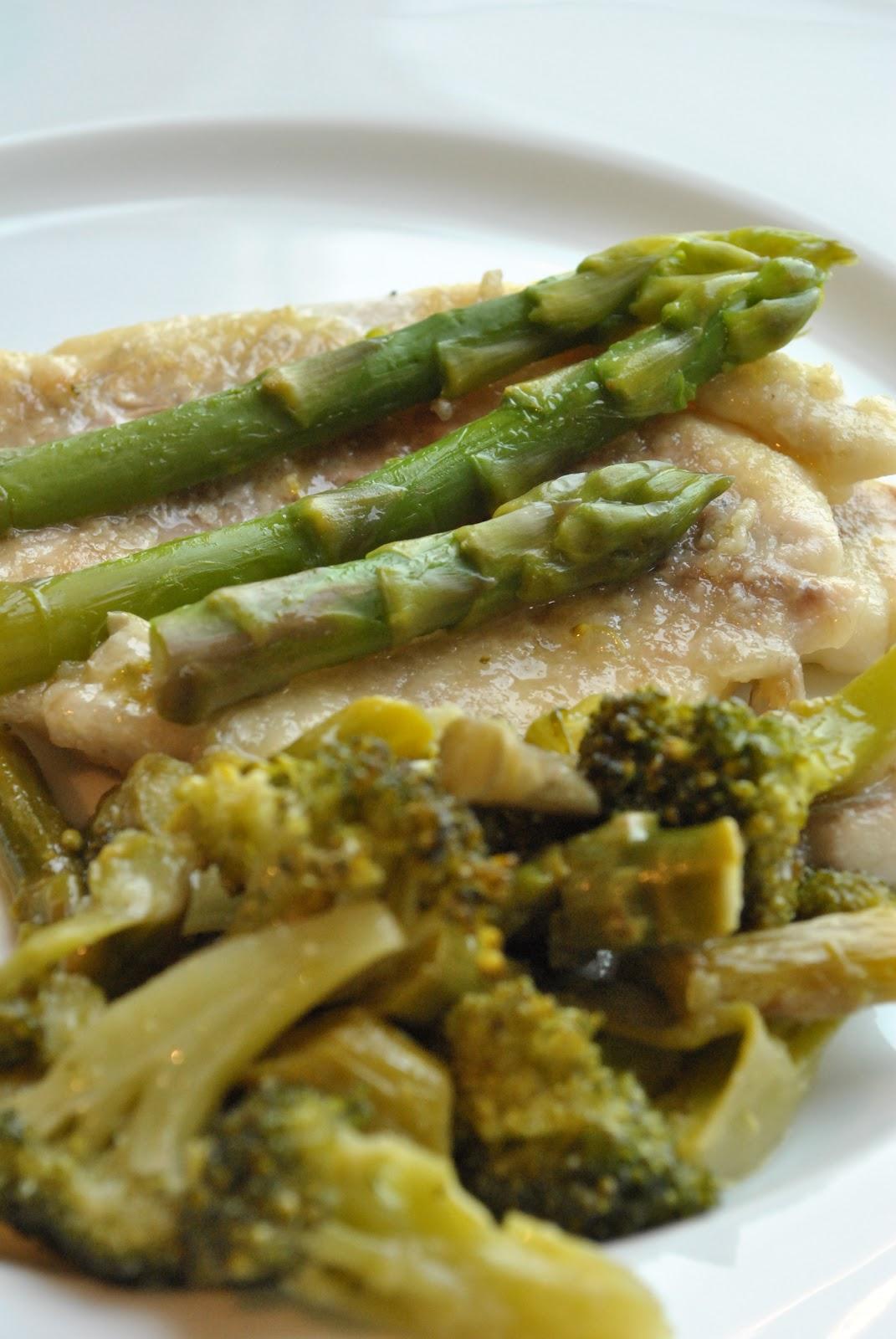 Ricetta Orata Asparagi.Cookdream Filetto Di Orata Con Broccoli E Asparagi