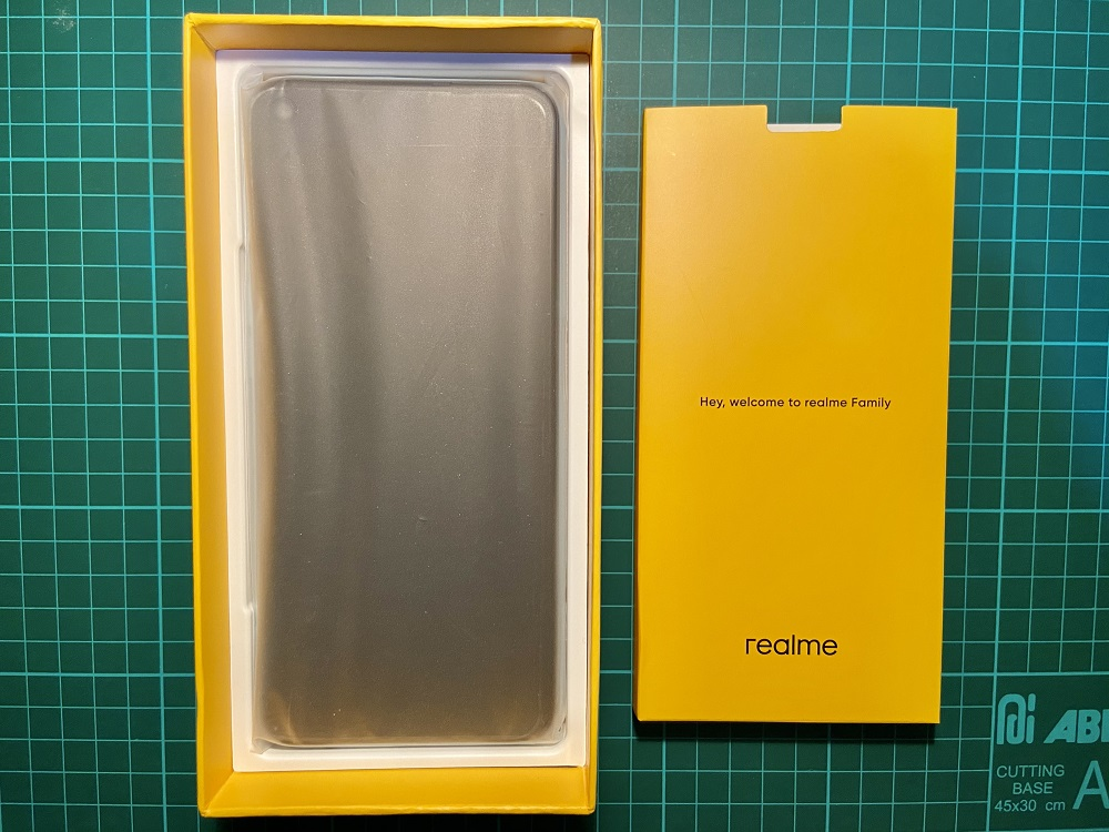 realme 7 with pack
