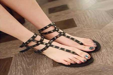 Sandal Wanita T-Strap
