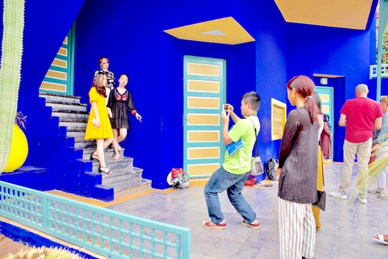 marrakesz ogród majorelle, Marrakesz ogród ysl Laurent Jardin majorelle, kolor niebieski