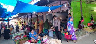 Antisipasi Kejahatan Polsek Segeri Laksanakan Pengamanan Pasar dan Beri Himbauan
