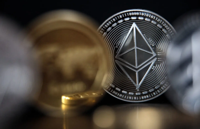 Smaller cryptocurrencies rise due to Bitcoin