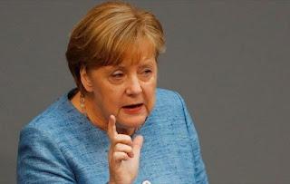 Δύο στους πέντε Γερμανούς θέλουν να παραιτηθεί η Μέρκελ λόγω προσφυγικού