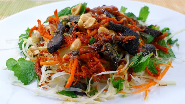 Top 5 Vietnamese Salads for hot summer days 3