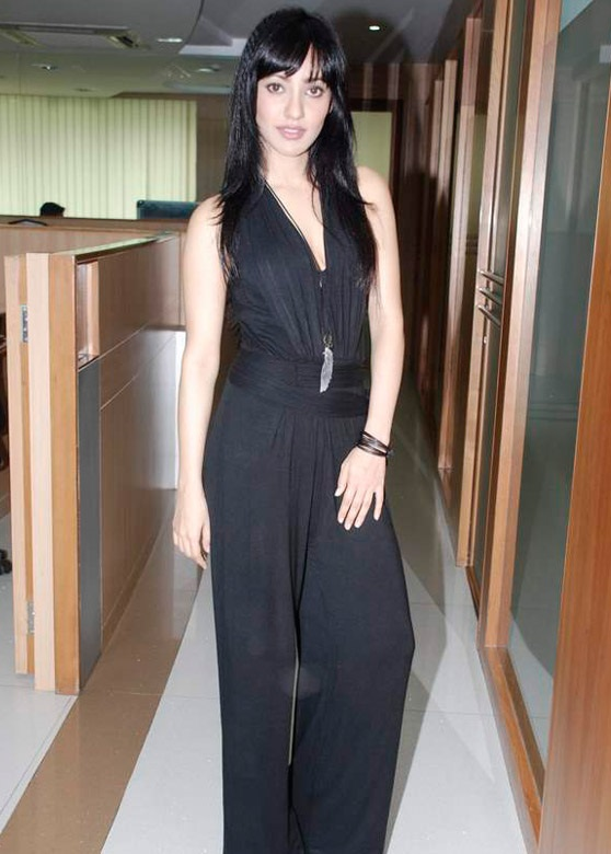 Tante Bugil Download Hd Photos Of Neha Sharma-5807