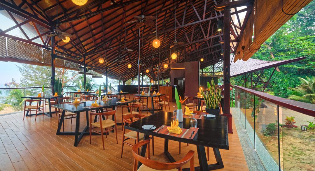 Dining Borneo Eagle Resort
