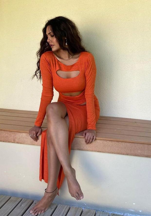 Esha Gupta Bikini