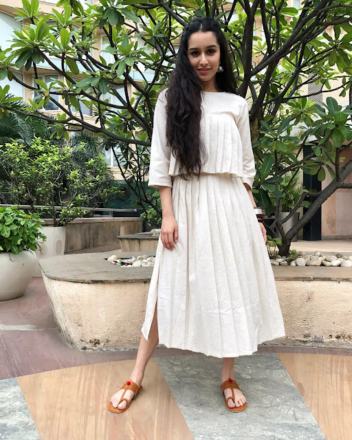 Shraddha Kapoor Frizzy Wavy Hair