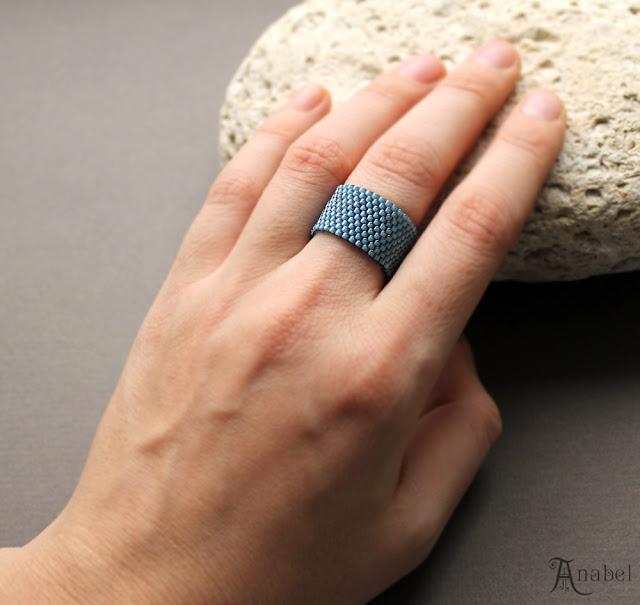 Широкое минималистичное кольцо цвета морской волны (сложный синий)