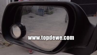 Kaca spion mobil getar dan goyang
